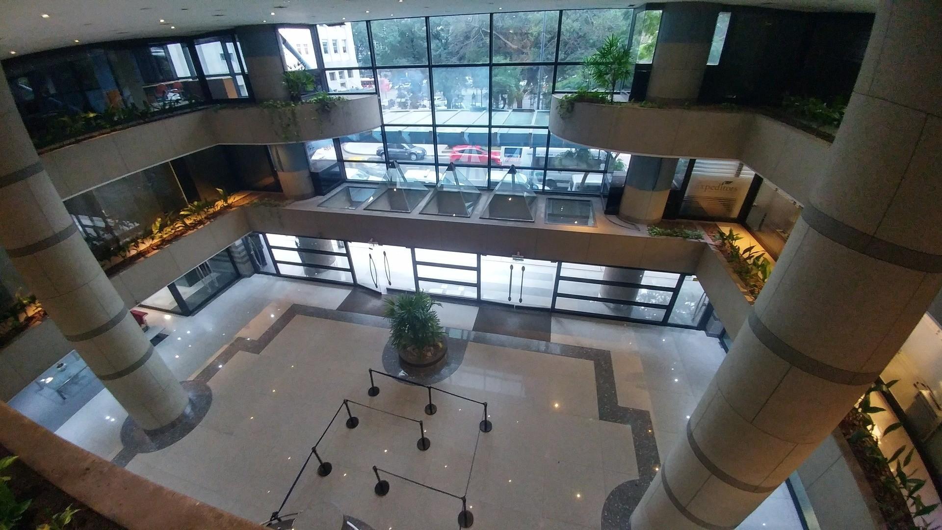 ESPECTACULAR OFICINA DE 64M2 EN EDIFICIO DE CATEGORIA. EXCELENTES VISTAS