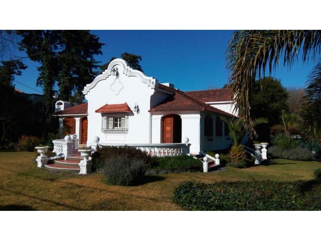 Villa Allende. Hermosa Casona en el centro