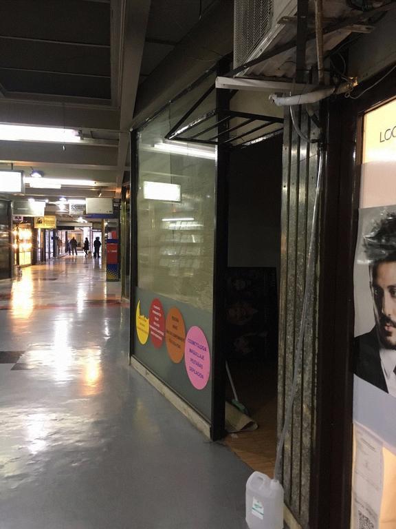 Local en galeria sobre Peatonal Maipu entre Av. Corrientes y Lavalle