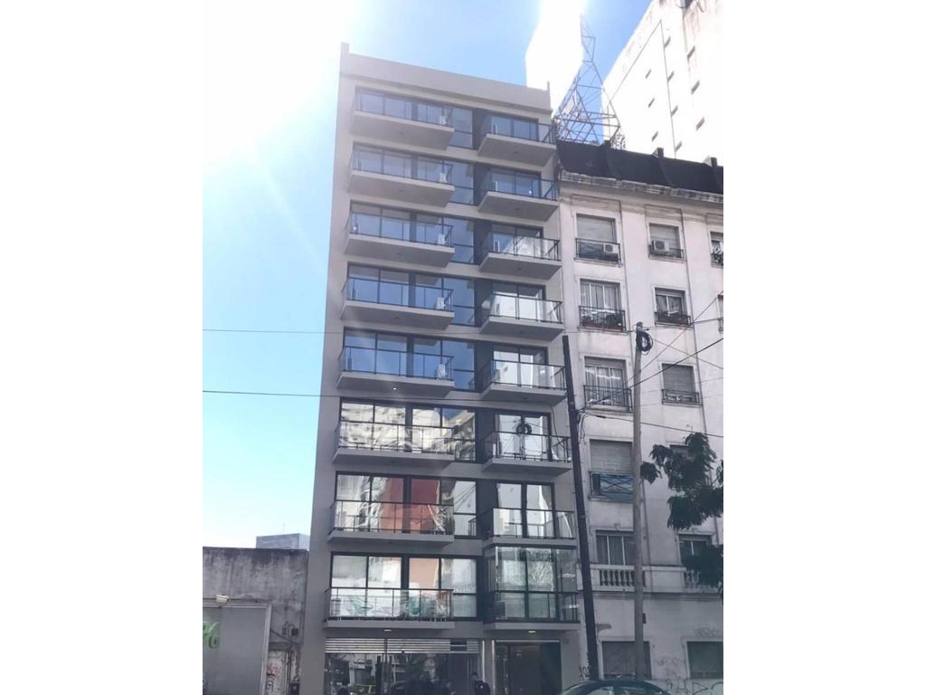 DEPARTAMENTO A ESTRENAR  de  2 Ambientes  con Balcón Al Frente.  APTO PROFESIONAL