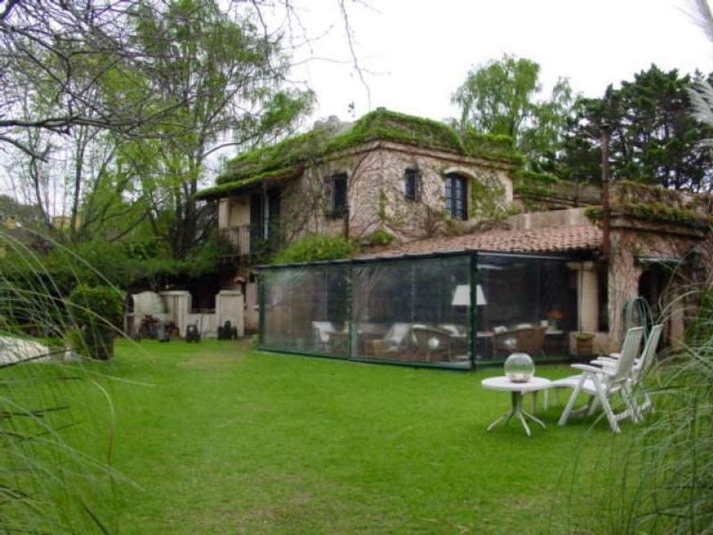 Casa en alquiler en gdor v vergara 2064 boulogne argenprop for Casas de alquiler en