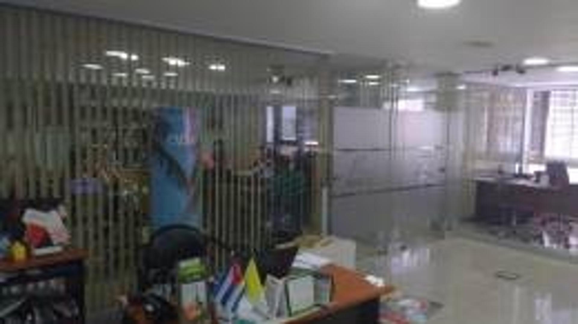 Microcentro – Oficina Comercial - 348 m2 - Sarmiento 700 - U$S 550.000.-