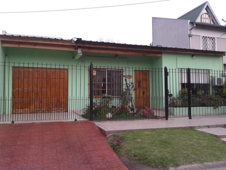 Casa en Alquiler en Monte Grande - 5 ambientes