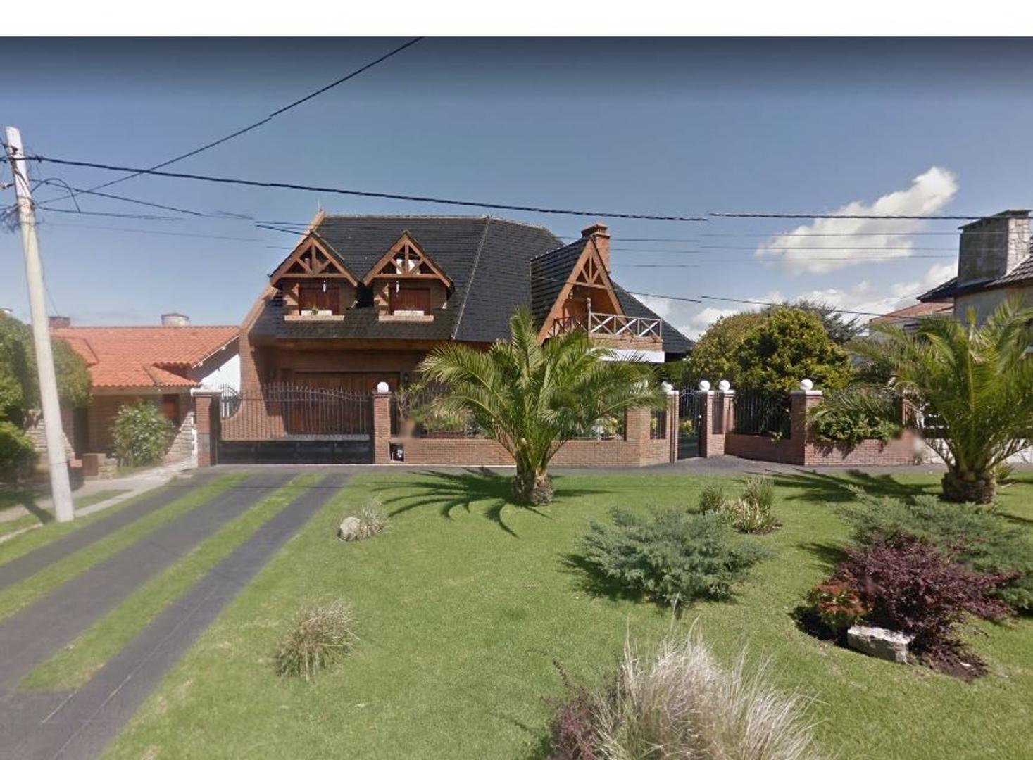 Casa de 7Amb con pileta en Mar del Plata