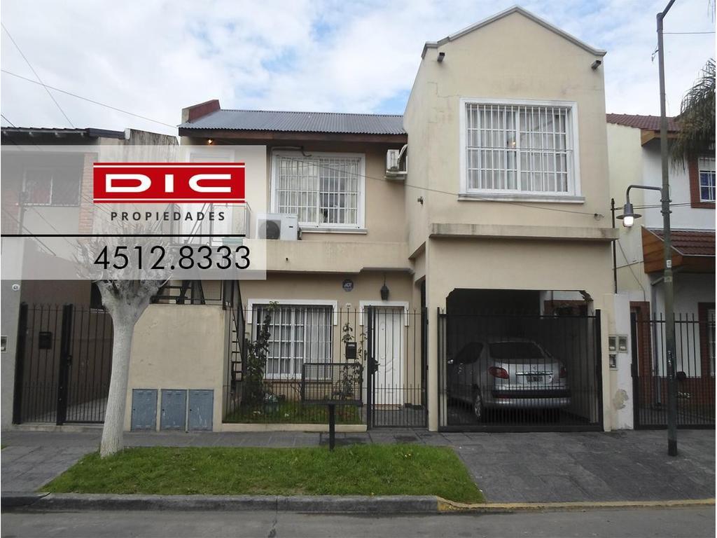 Casa Multifamiliar - 7 Ambientes - Villa Adelina