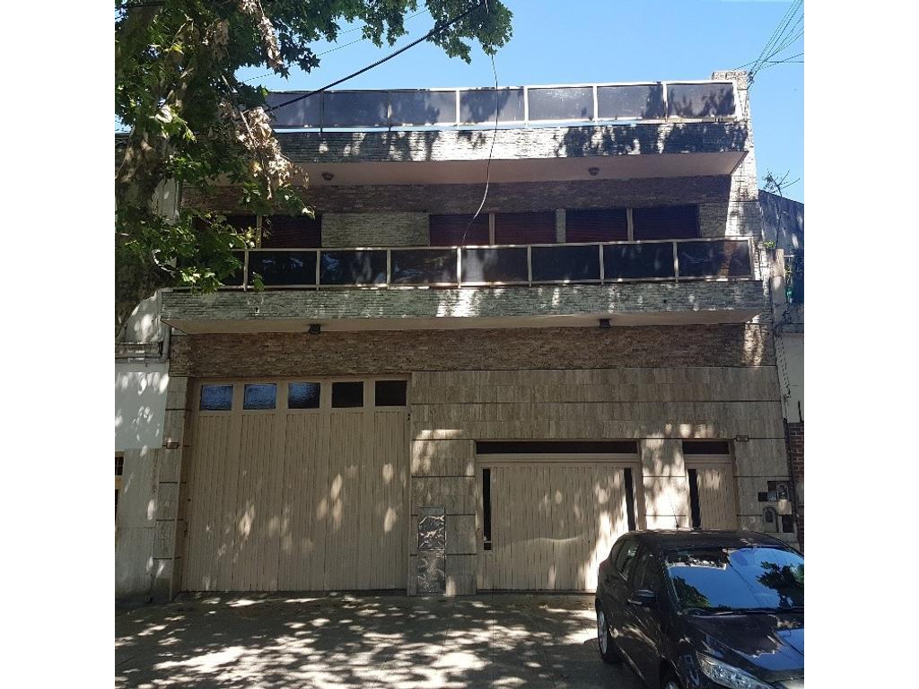Galpón con vivienda sobre lote de 10,7 de frente x 32 Mts de fondo - Curapaligue 1300 -P.Chacabuco