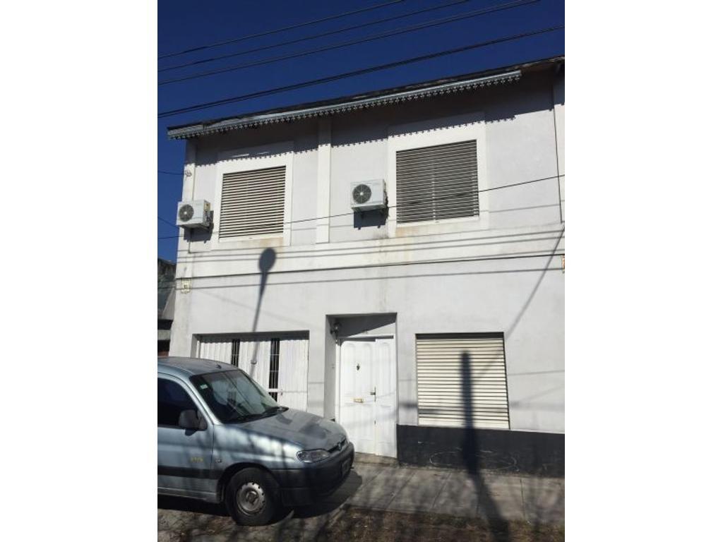 Duplex 4 amb. en Santos Lugares