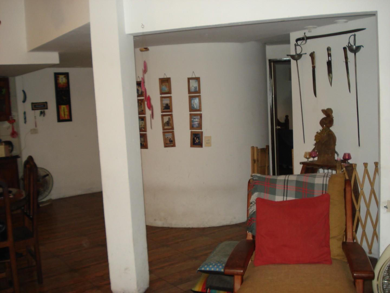 MATADEROS. ALBARIÑOS 1200. PH-Tipo-Casa-3-Ambientes-Frente-Balcon-Patio-Parrilla-Terraza.  - 3 ambientes