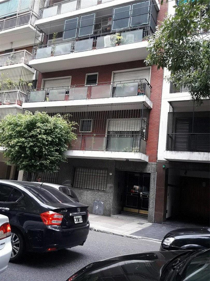 excelente 3 amb PB con patio por estado y ubicacion a mtrs parque Rivadavia amplio y reciclado