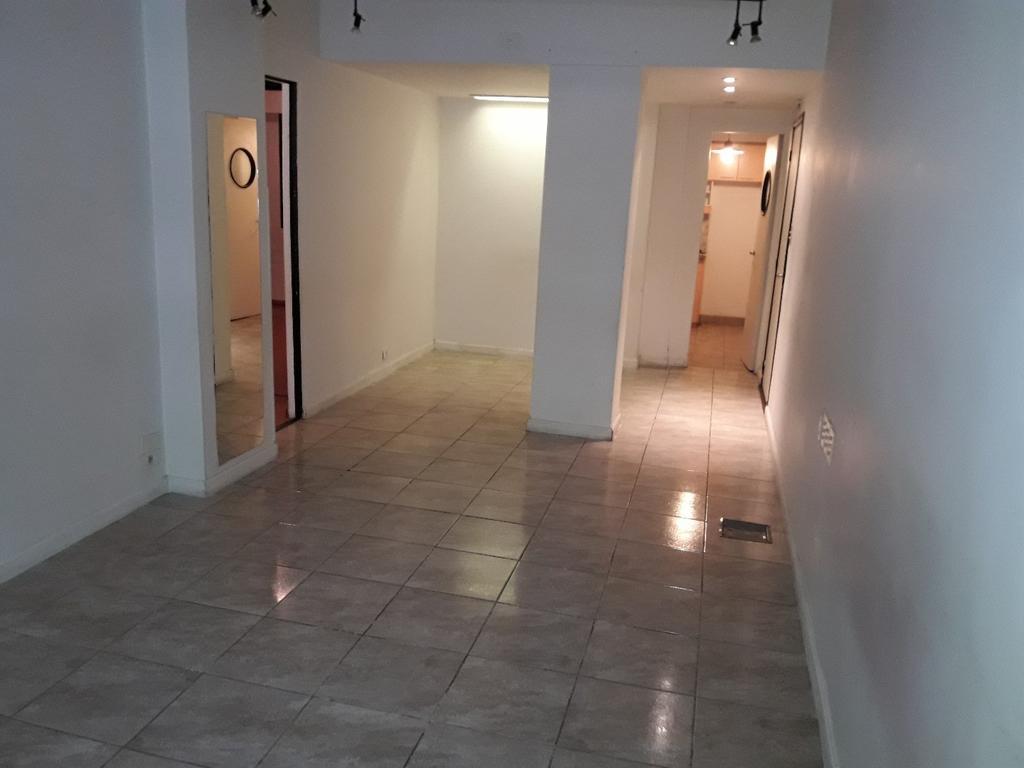 excelente 4 amb PB con patio por estado y ubicacion a mtrs parque Rivadavia amplio y reciclado
