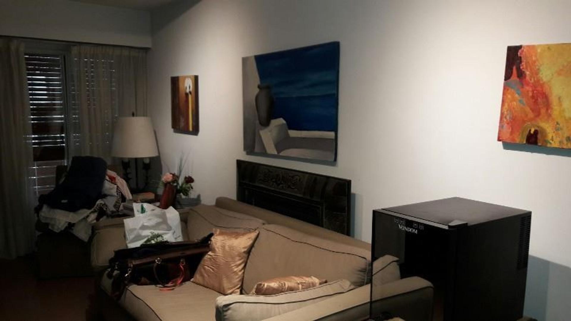 Duplex 5 amb en excelente estado en Olivos Roche, c espacio para 2 autos,3 baños, 3 dorm y playroom