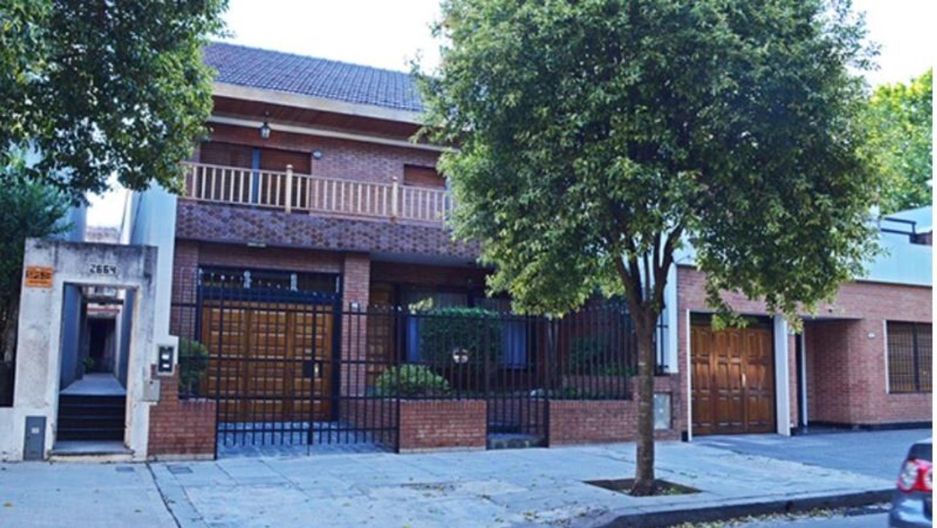 Hermosa Casa 6 amb c/dep Gje 2 autos Jardin y Parrilla