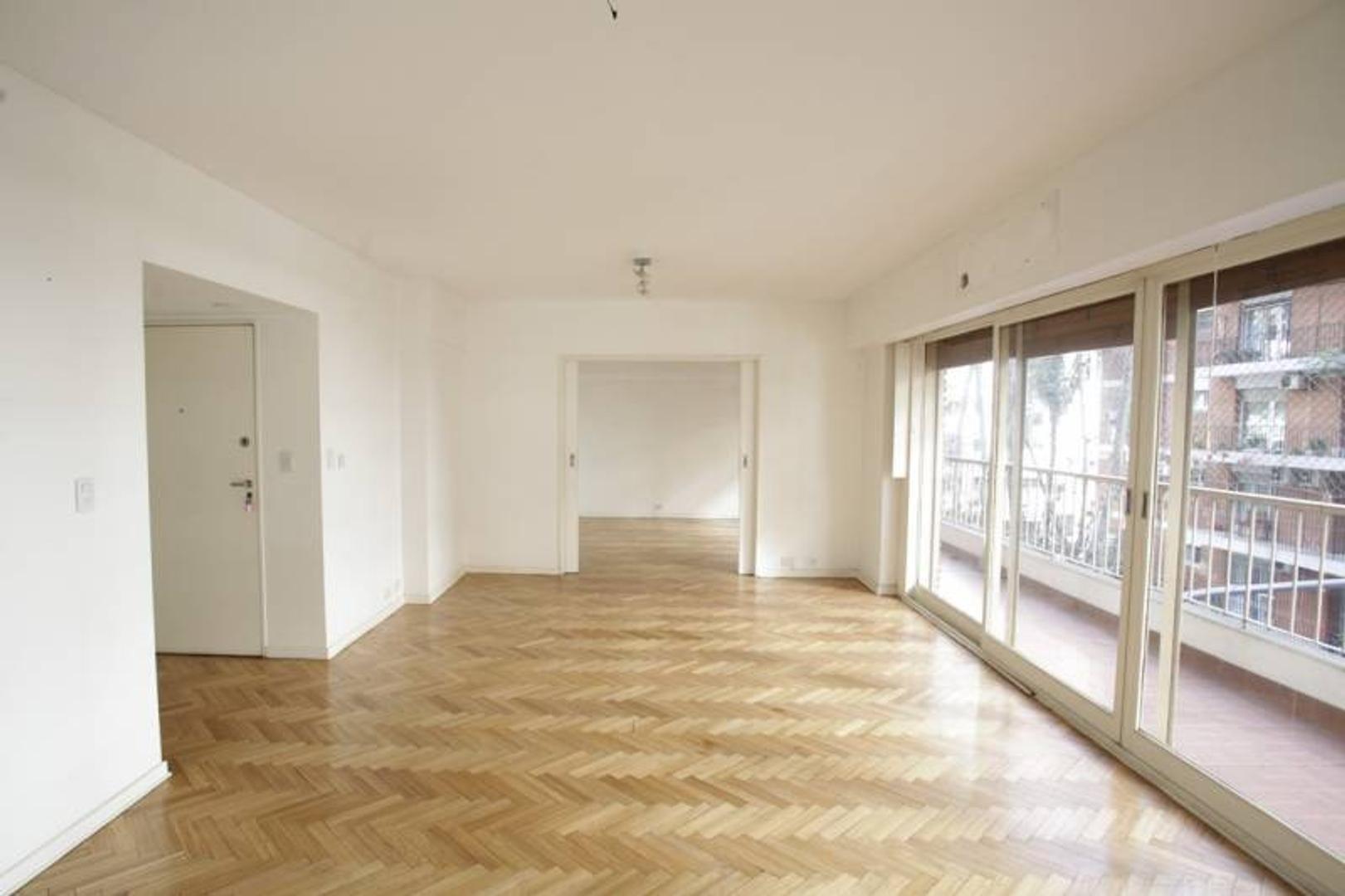 Excelente piso de 3 o 4 dormitorios c/dep en torre - Inmejorable ubicación
