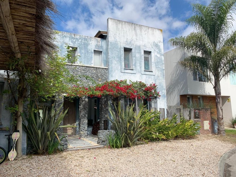 Casa en Venta en Virasoro Village - 10 ambientes