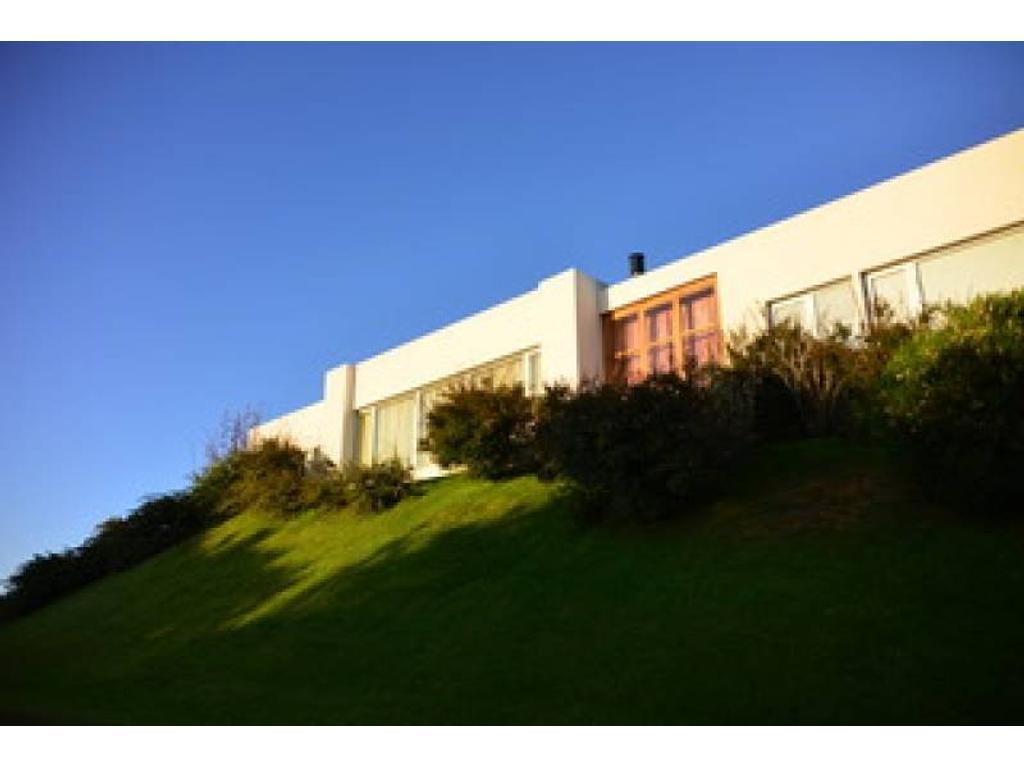 Venta de casa cerca del mar en barrio residencial 2 lote N° 131 de Costa Esmeralda