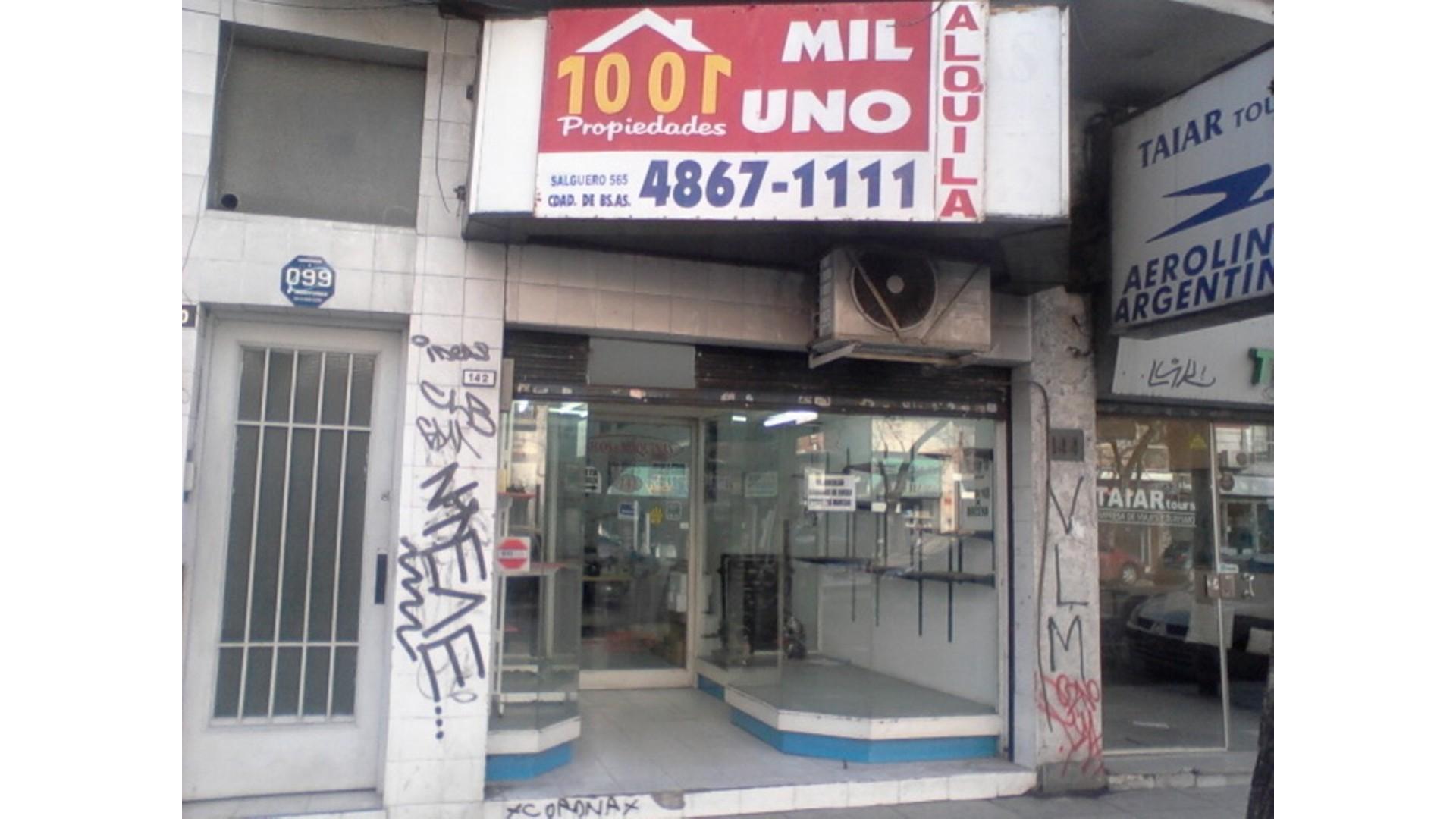 excelente local 110 m2 aprox. Sin expensas sobre Av. Scalabrini Ortiz al 100