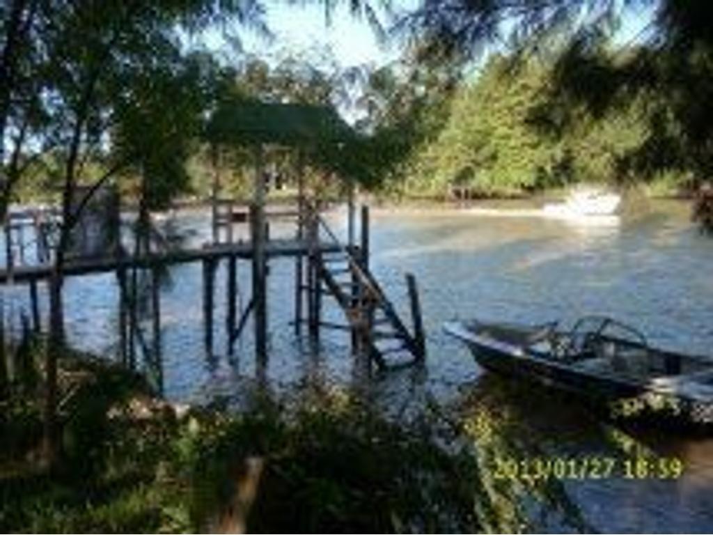 CASA EN VENTA - sobre el Canal Arias - 1era Sección del Delta