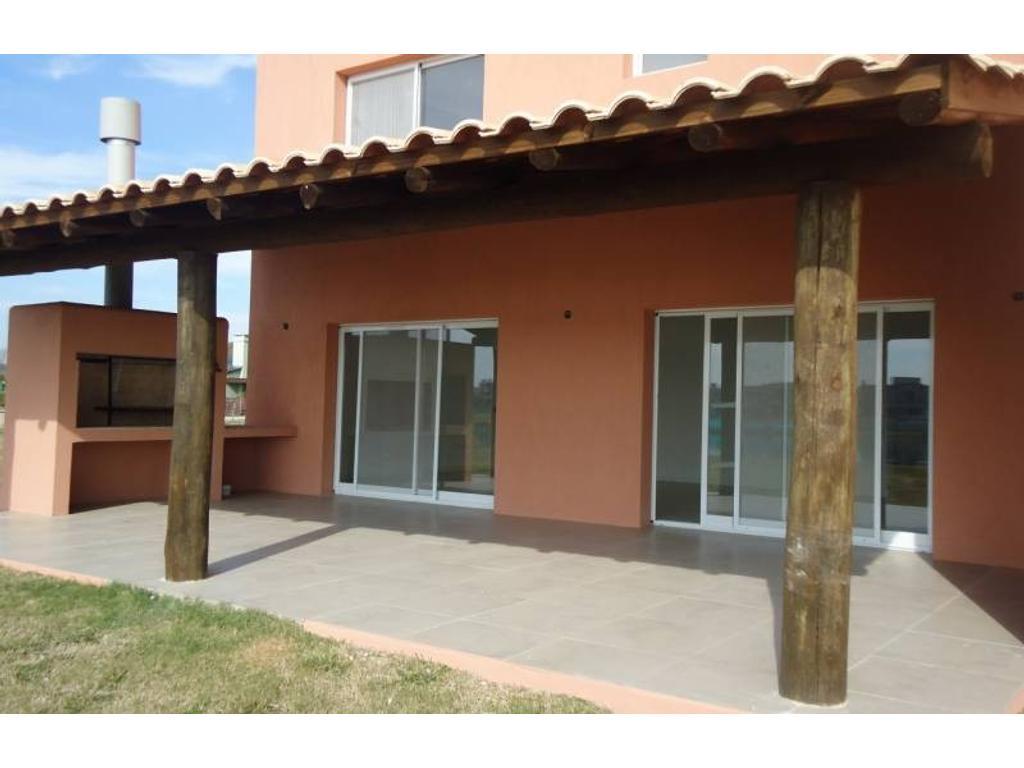 Venta de Casa en barrio Santa Teresa - Villanueva - Tigre