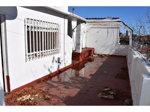 DEPARTAMENTO TIPO CASA 3 AMB. FRENTE CON DEPENDENCIA + TERRAZA- PARQUE AVELLANEDA- CAPITAL FEDERAL