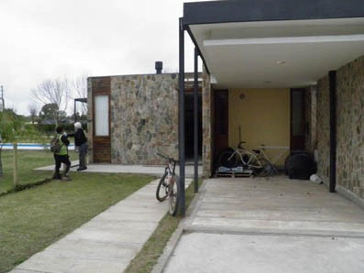 Casa en Venta en Countries y Barrios Cerrados San Vicente - 5 ambientes