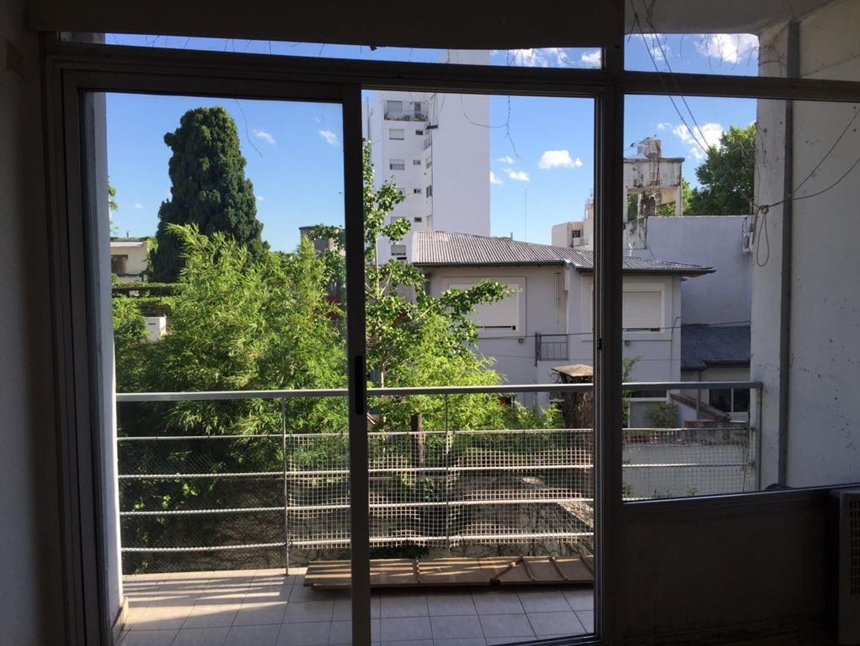 Monoambiente en Venta con cochera, muy luminoso, vista abierta