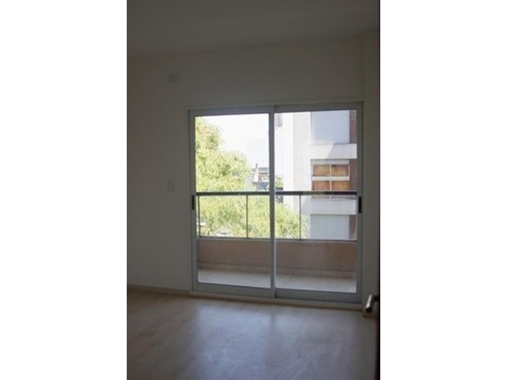 Departamento de 3 ambientes y cochera en Caballito - luminoso -