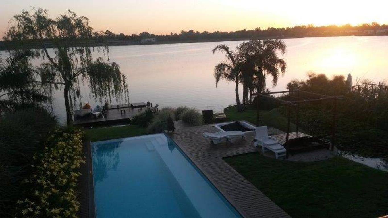 Espectacular casa- spa al lago
