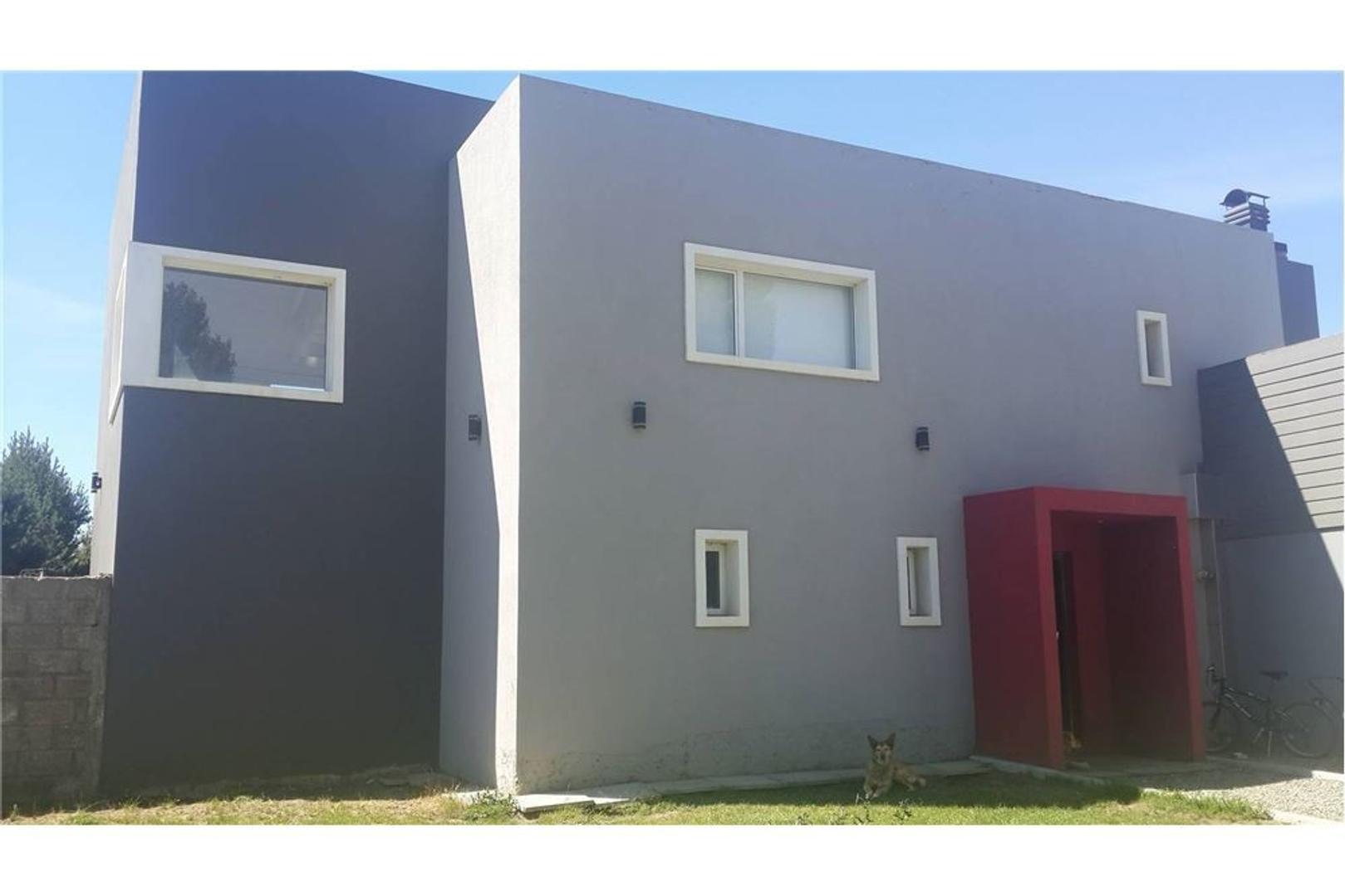 Casa racionalista en venta Dina Huapi-Bariloche.