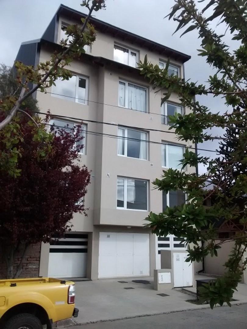 Amplio Monoambiente Nuevo con  balcón. Bajas expens