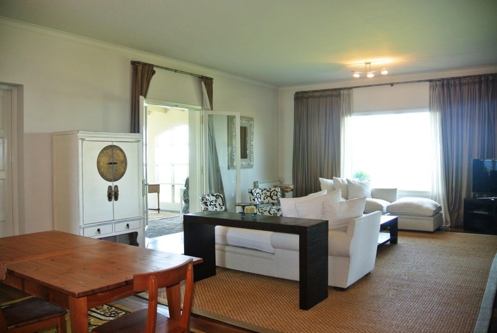 Casa - 506 m² | 8 dormitorios | 8 baños