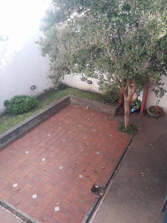 Casa Lote de 8.66 X 27.70 Propio 7 Ambientes con Fondo y Terraza.! Fot 3.46