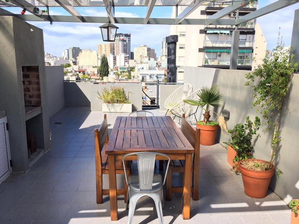 VENTA excelente dpto 2 amb en Araoz al 1300 c/ terraza, cochera cubierta y balcón
