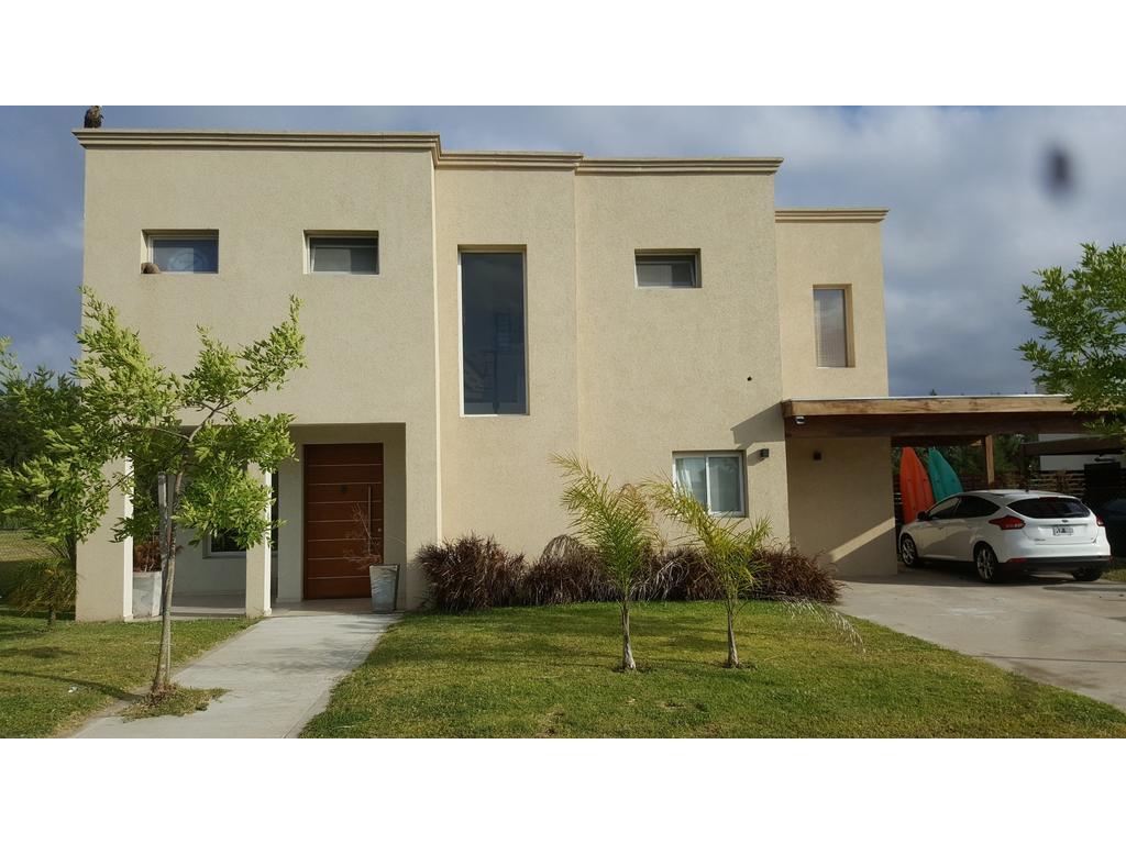 Importante casa en B° San Gabriel en Villanueva