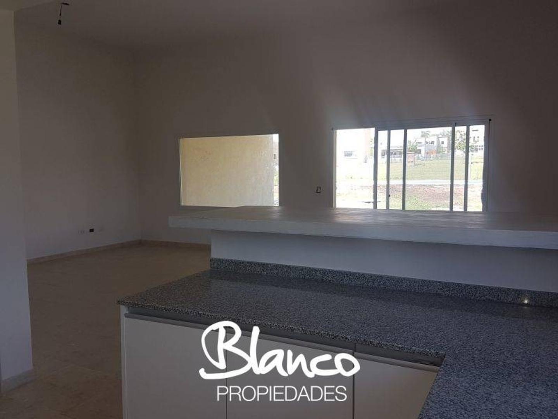 Casa en Pilar del Este - Santa Guadalupe con 3 habitaciones