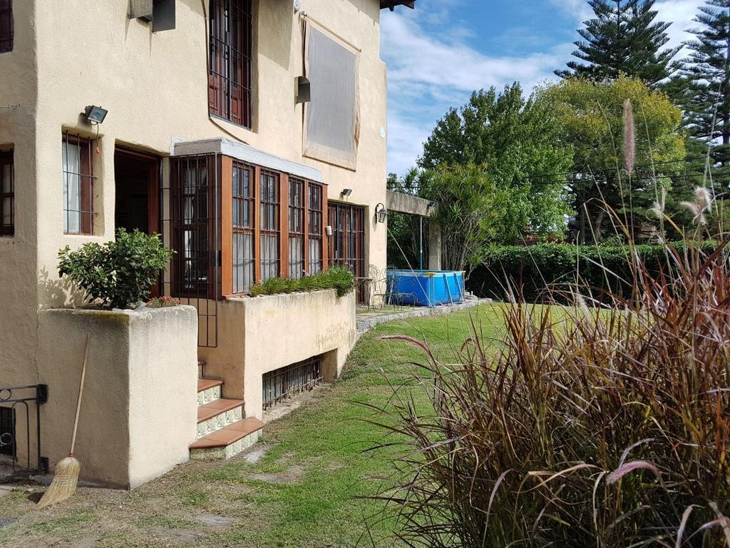C & P Inmobiliaria: Florida río, excelente propiedad, amplio jardín, acepta departamentos.-