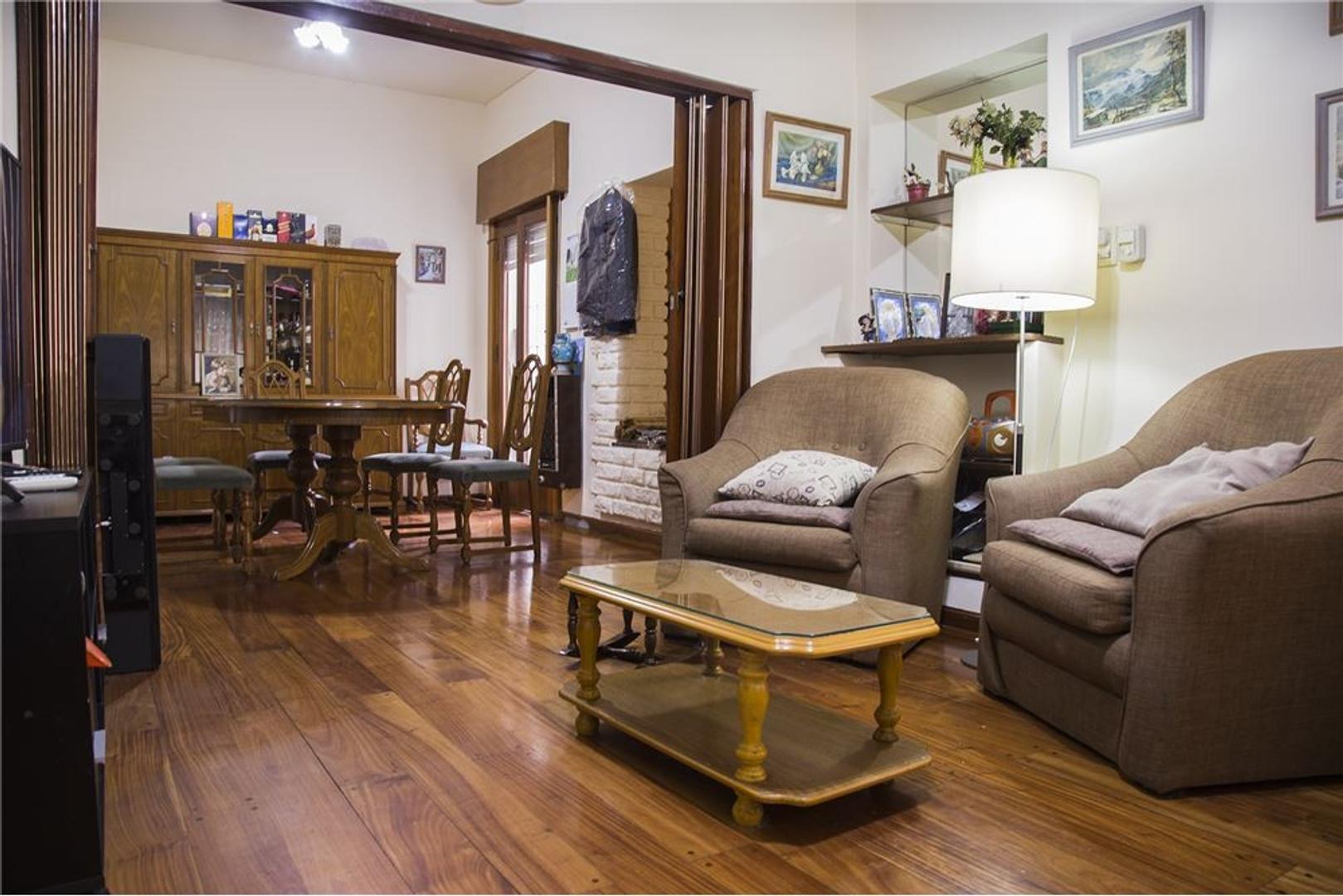 En zona residencial,exclusiva, hermosa casa  7 amb