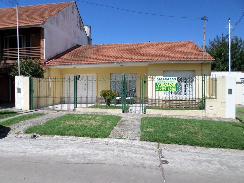 Casa en Venta en Punta Mogotes - 4 ambientes