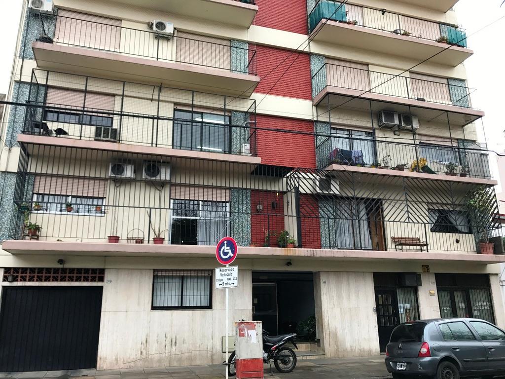 4 Amb. 105 mts totales Amplio - Fte balcón - Muy Luminoso Impecable estado DIGNO DE VER