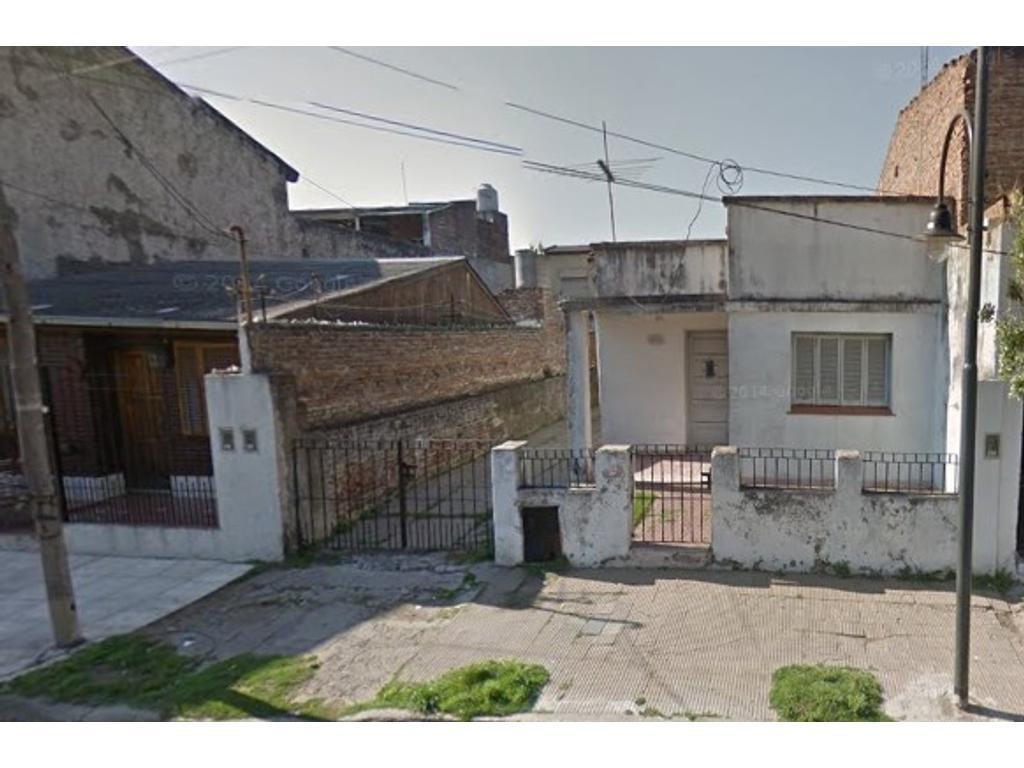 RETASADA!!!!! ** CASA S/AMPLIO LOTE CON CONSTRUCCION A RECICLAR