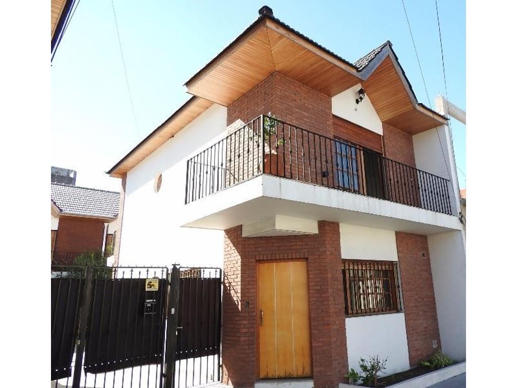 Casa en venta en emilio zola 4967 villa ballester for Jardin belen villa ballester