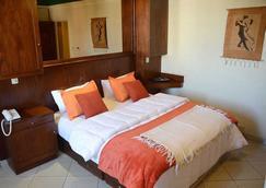 Hotel 80 hab. 3*