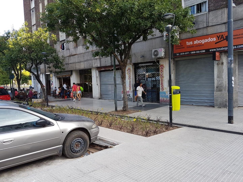 Local a la calle en Constitución - 32 m2