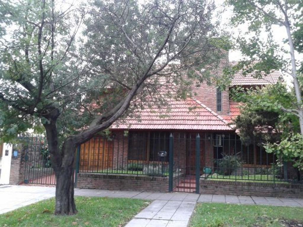 Casa en venta en rosales 2432 jose marmol argenprop for Casas en jose marmol