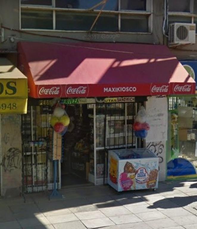 Excelente local sobre Avenida Maipú al 500