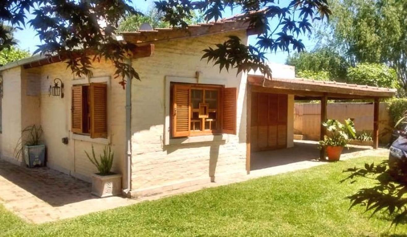 Casa 2 dormitorios con parque y piscina en Escobar
