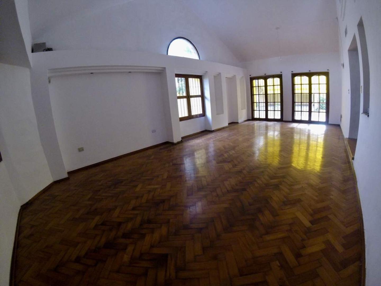 Casa en Venta en Granja De Funes - 7 ambientes