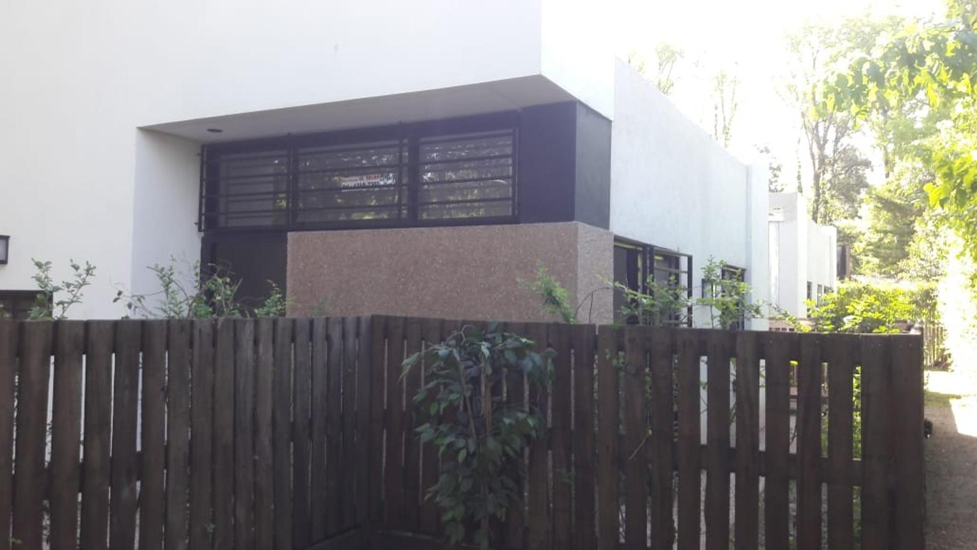 Ph en Venta en Los Robles del Monarca - 3 ambientes