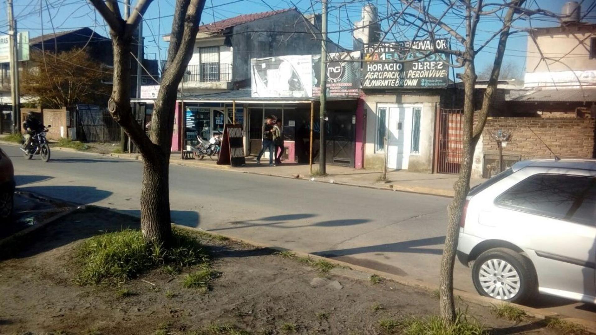 Locales con vivienda en el centro de glew
