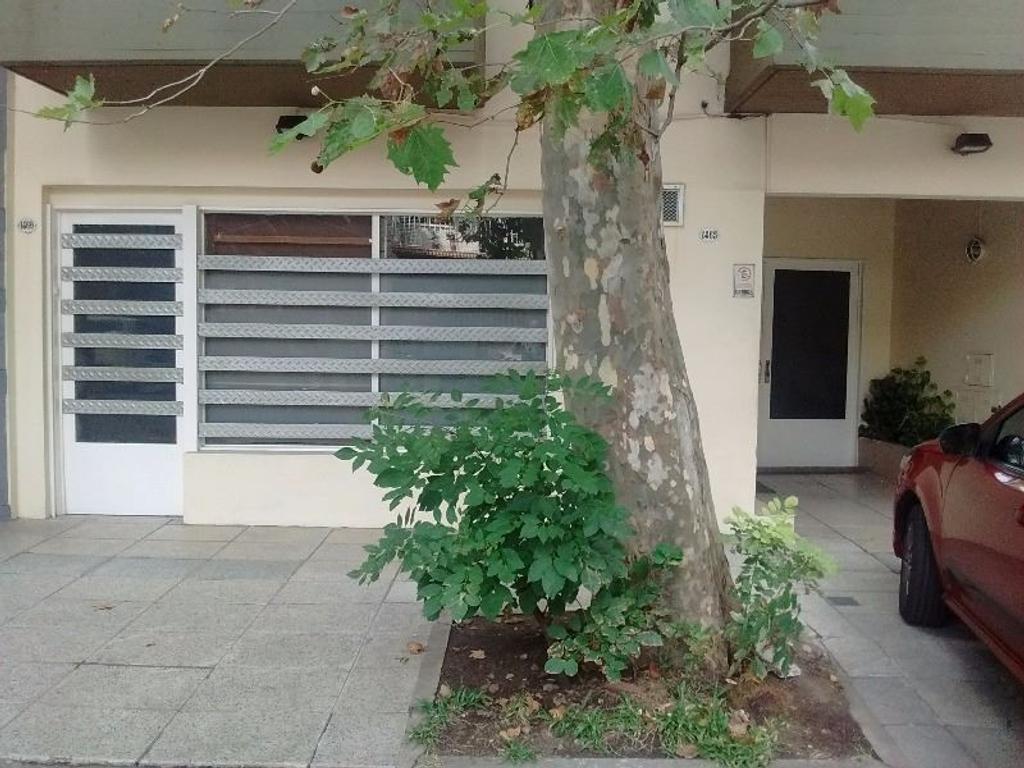 local en venta 220 m2 totales 100 de planta mas 120 m2 de cocheras y/o depósito (medidas aprox.)