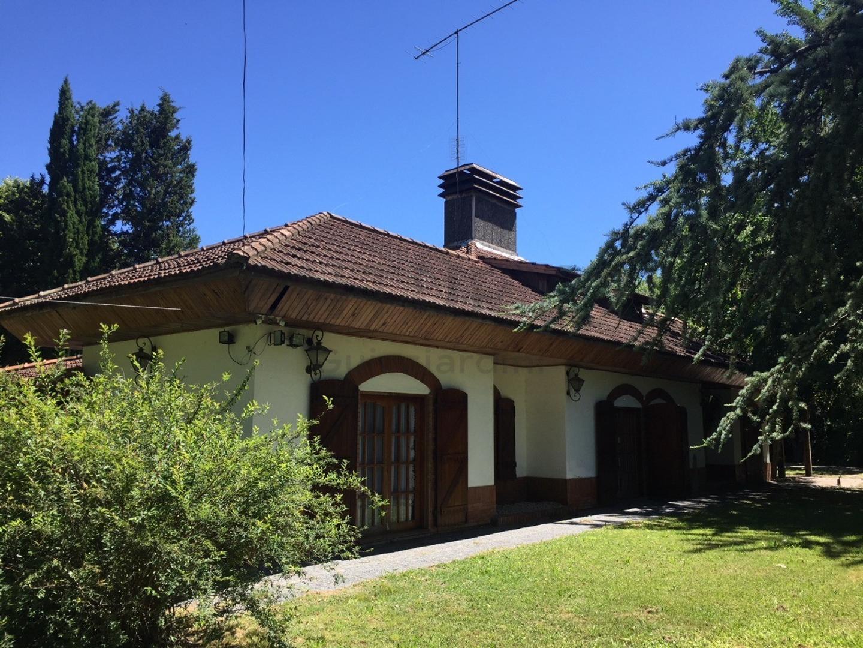 Casa en Venta en Villa Elisa - 6 ambientes